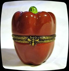 Limoges France French Signed Bell Pepper Vegetable Trinket Box Peint Main Limoge
