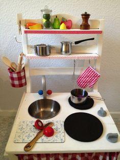 Kinderküche aus einem Stuhl