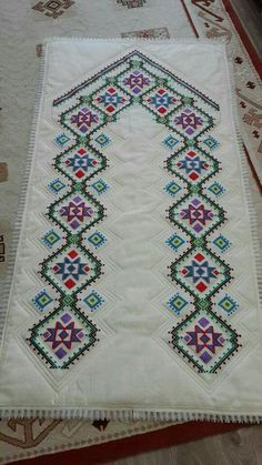 This Pin was discovered by HUZ Cross Stitching, Cross Stitch Embroidery, Hand Embroidery, Embroidery Designs, Islamic Patterns, Prayer Rug, Bargello, Needle And Thread, Handicraft