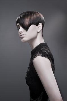 A fringe is fundamental to the shape. Smooth or textured, straight or curved, androgynous yet seductive. Make your… punktuation… mark!