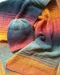 83 отметок «Нравится», 20 комментариев — Юлия ВЯЗАНИЕ~KNITTING julzaru™ (@julzaru) в Instagram: «Успела и себе зимний комплект связать!✌За полчаса до весны...➿ Дундага 6/2 из магазина…» Ombre Yarn, Cowl, Knitted Hats, Scarves, Knitting, Crafts, Style, Fashion, Scarfs
