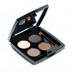 HD Brow Palette is the essential product to maintain your HD Brows look between treatments Brow Palette, Hd Brows, Brow Shaping, Wedding Beauty, Wedding Makeup, Kiss Makeup, Eye Makeup, Beauty Must Haves, Beauty Room
