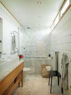 Mexitegelhus i förvandling – Hus & Hem Contemporary Bathrooms, Modern Bathroom, Master Bathroom, Small Half Bathrooms, Dream Bathrooms, Steam Spa, Bedroom Floor Plans, Steam Showers Bathroom, Bathroom Interior Design