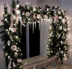 christmas window swags More Christmas tree inspirations Holiday Forum GardenWeb Christmas Mantels, Noel Christmas, Winter Christmas, Christmas Wreaths, Christmas Crafts, Rustic Christmas, Christmas Windows, Elegant Christmas, Christmas Lights Decor