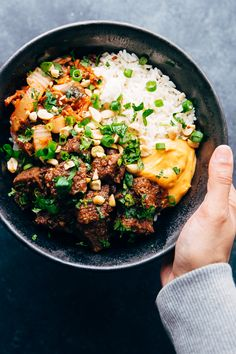 Instant Pot Korean Beef Bowls Learn how to make Instant Pot Korean Beef! You can make Korean beef bowls or wrap it up in a burrito. Instant Pot Korean Beef is perfect for busy nights! Beef Recipes, Chicken Recipes, Cooking Recipes, Healthy Recipes, Korean Recipes, Instant Pot Pressure Cooker, Pressure Cooker Recipes, Beef Bowl Recipe, Korean Bowl Recipe