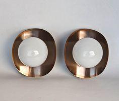 Milieu du siècle moderne mur lampe paire / cuivre et blanc verre Globe bougeoirs / atomique éclairage / 70 pour l