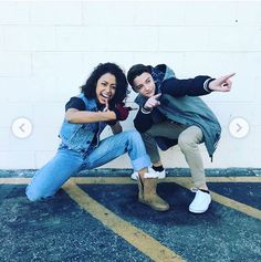Read from the story ×Fotos y memes de Stranger things× by bitiez (UgandaKnuckles) with 742 reads. Cast Stranger Things, Stranger Things Netflix, Bae, Fotos Goals, Vlog Squad, Don T Lie, Star Wars, Wattpad, Celebs