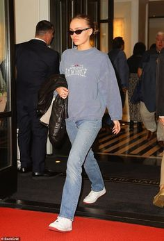 Lily Rose Depp Style, Lily Rose Melody Depp, Aesthetic Fashion, Aesthetic Clothes, Aesthetic Indie, Style Invierno, Mode Outfits, Fashion Outfits, Lily Depp