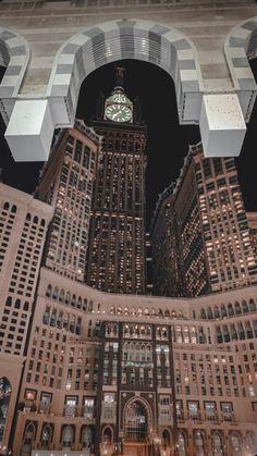 Mecca Wallpaper, Islamic Quotes Wallpaper, Wallpaper Backgrounds, Mecca Madinah, Mecca Masjid, Beautiful Mosques, Beautiful Buildings, Beautiful Places, Islamic Images