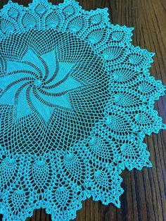Crochet doily Pinwheel Pineapple doily Table Topper