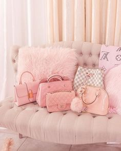 pink accessories for room Baby Pink Aesthetic, Aesthetic Vintage, Aesthetic Gif, Aesthetic Grunge, Aesthetic Fashion, Aesthetic Pictures, Bedroom Wall Collage, Photo Wall Collage, Tout Rose