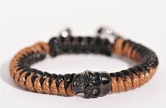 Bracelet brun/noir crâne acier inoxydable tête de mort noir Crane, Bracelets, Leather, Men, Etsy, Jewelry, Male Jewelry, Man Bracelet, Skull