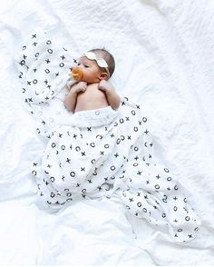 Sundays snuggles with mini me  @chasingcallie  shop muslin at spearmintLOVE.com