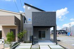 宅配ポスト、玄関ウォール、ルーバー、片流れ屋根、グレー、外観、ピロティのある家