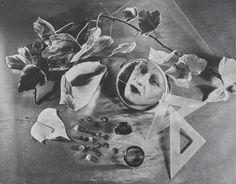Grete Stern. Autorretrato, 1943. Impresión en gelatina de plata, 1958, 8 11/16 x 11″ (22 x 28 cm). Propiedad de Horacio Coppola, Buenos Aires © 2015 Herencía de Horacio Coppola. Señala la imagen para verla más grande.
