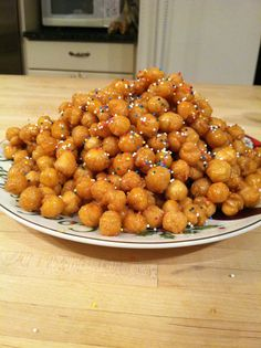 Struffoli (honey balls) - definitely Christmas food!