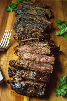 Soy Marinated Broiled Flank Steak is a tender broiled flank steak perfec marinade. Easily cooked in your oven, this Soy Marinated Broiled Flank Steak is tender on the inside and perfectly seared on the outside. Steak In Oven, Marinated Flank Steak, Flank Steak Recipes, Meat Recipes, Cooking Recipes, Cooking Pasta, Cooking Games, Sauce Recipes, Gourmet
