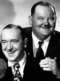 Actors Stan Laurel, left, and Oliver Hardy in Hollywood Music, Hollywood Stars, Classic Hollywood, Old Hollywood, Hollywood Couples, Stan Laurel Oliver Hardy, Laurel Und Hardy, Cultura General, Old Movie Stars