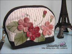 Loving this little personal zipper purse.