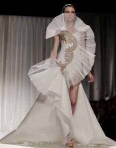 Vlada Roslyakova at Fausto Sarli Spring 2011 Haute Couture