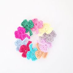 Crochet Shamrock Applique Set of 10 by annemariesbreiblog on Etsy