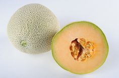 Cantaloupe is rich in antioxidants and delivers a unique hydration to the skin. A perfect fruit choice for hot weather. Cantaloupe Benefits, Cantaloupe And Melon, Cantaloupe Recipes, Healthy Nutrition, Healthy Life, Healthy Living, Healthy Foods, Cantaloupe Calories, Heart Healthy Recipes