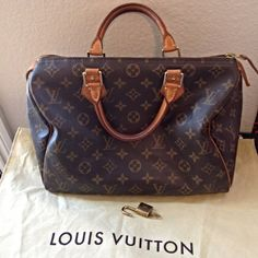 LV Speedy 30 in great condition. Comes with dust bag, padlock and key. 100% Authentic or money back guarantee.