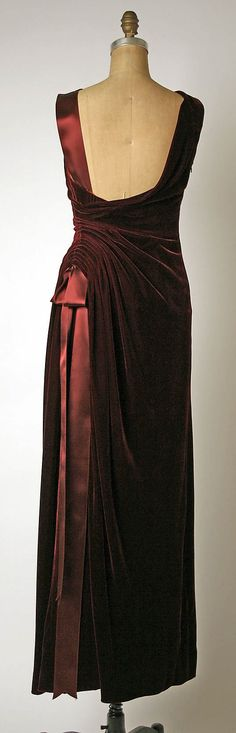 Cool Red Evening Dress Dress, Evening  House of Balmain (French, founded 1945)  Designer: Oscar d... Check more at http://24myshop.cf/fashion-style/red-evening-dress-dress-evening-house-of-balmain-french-founded-1945-designer-oscar-d/