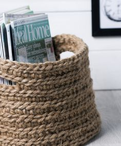 Tee virkattu lehtikori | Meillä kotona Hobbies To Try, Hobbies And Crafts, Diy And Crafts, Arts And Crafts, Knit Basket, Affordable Home Decor, Crochet Fashion, Knitting Yarn, Home Accessories