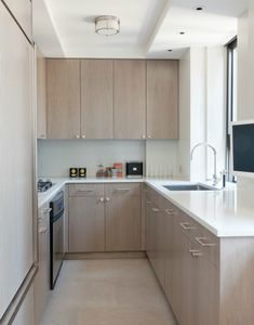 Want some inspiration to design your tiny kitchen room? Kitchen Cupboard Designs, Kitchen Room Design, Home Room Design, Modern Kitchen Design, Home Decor Kitchen, Interior Design Kitchen, Kitchen Furniture, Kitchen Shelves, Interior Decorating