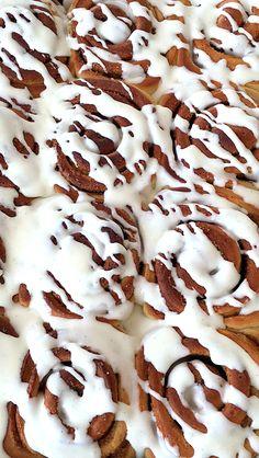 CINNAMON-ROLLS-THERMOMIX-GLASEADOS Relleno, Deserts, Sweets, Cookies, Recipes, Food, Home, Cinnamon Scones, Mini Cheesecakes