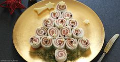 Mousse salate veloci per tartine o per farcire i vol au vent - Christmas Canapes, Christmas Potluck, Christmas Dishes, Christmas Drinks, Christmas Treats, Vol Au Vent, Salmon Canapes, Sushi, New Years Eve Dinner