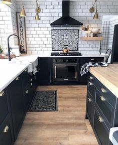 Uplifting Kitchen Remodeling Choosing Your New Kitchen Cabinets Ideas. Delightful Kitchen Remodeling Choosing Your New Kitchen Cabinets Ideas. Kitchen Interior, Home Decor Kitchen, Kitchen Upgrades, Kitchen Remodel, Kitchen Decor, New Kitchen, Home Kitchens, Kitchen Renovation, Kitchen Design
