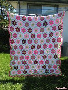 Delicadezas en crochet Gabriela: Hermoso motivo de colores para manta tejida en gan...