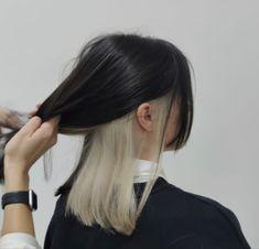 Hidden Hair Color, Two Color Hair, Hair Color Streaks, Hair Dye Colors, Hair Color Underneath, Dye My Hair, Bleached Hair, Aesthetic Hair, Hair Looks
