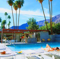 Orbit Inn in Palm Springs . Never been, but want to visit this place. Palm Springs is one of my favorite local getaway spots & this place looks like my vibe. Palm Springs Hotels, Palm Springs Real Estate, Palm Springs Style, Century Hotel, Mid Century House, Small Boutique Hotels, Hotel Motel, Googie, Mid Century Modern Design