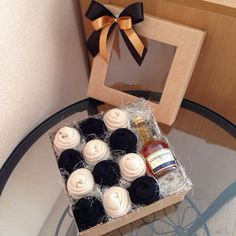 Gifts Baskets For Men Homemade 19 Best Ideas Christmas Gift Box, Homemade Christmas Gifts, Homemade Gifts, Handmade Christmas, Diy Gifts, Gift Box For Men, Gift Baskets For Men, Gifts For Kids, Flower Box Gift