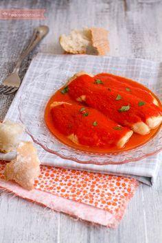 Filetes de merluza con salsa de pimientos del piquillo Fish And Seafood, Food And Drink, Keto, Meals, Fruit, Cooking, Breakfast, Healthy, Gastronomia