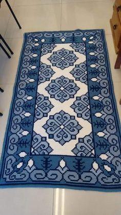 Black Fluffy Carpets - Carpets For Living Room Indian - - Best Carpets - Carpets Design Ideas - Yellow Carpets Ikea Cross Stitching, Cross Stitch Embroidery, Embroidery Patterns, Cross Stitch Designs, Cross Stitch Patterns, Tapete Floral, Crochet Carpet, Pink Carpet, Needlepoint Pillows