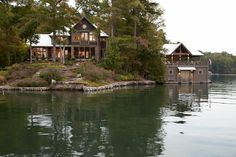 Beautiful lake house + boat house LAKE BURTON - PRITCHETT + DIXON Residential Design