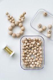 Anleitung: Schlichte Eierhalter aus Holzkugeln selber machen