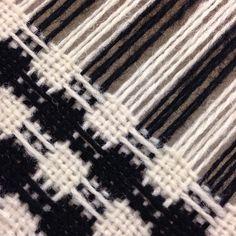#väva #vävning #droppdräll #ull #slöjd #textil #weave #weaving #wool #craft #handmade #textiles