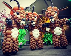 Gazelle. Goats. Geit. Entertainment. Balloon act. Event. Evenement. Straattheater. Ballonnenkostuum.  Ballooncostume. Costume. Balloons.