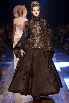 Jean Paul Gaultier Fall 2016 Couture Fashion Show - Lindsey Wixson (Elite) Womens Fashion For Work, Work Fashion, Fashion Show, Fashion Outfits, Fashion Art, Couture Mode, Couture Fashion, Runway Fashion, Moda Hippie