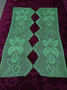 This Pin was discovered by Cev Crochet Edging Patterns, Filet Crochet Charts, Crochet Borders, Crochet Doilies, Crochet Lace, Easter Cross, Chrochet, Crochet Projects, Bohemian Rug