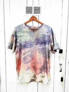 Tie dye camiseta por armarioenruinas en Etsy, €13.00