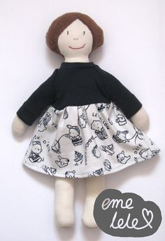 Lalka w sukience