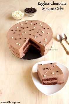 Full Scoops: Eggless Chocolate Mousse Cake