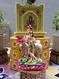 Cute Krishna, Krishna Art, Radhe Krishna, Iskcon Krishna, Krishna Painting, Krishna Radha, Diwali Decorations, Festival Decorations, Lord Vishnu Wallpapers