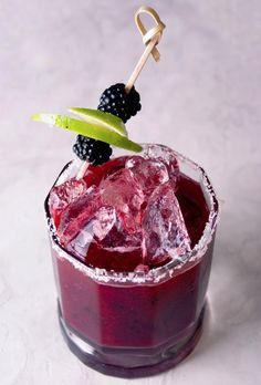 Winter Blackberry Ginger Margarita #drinks #cocktails #alcohol